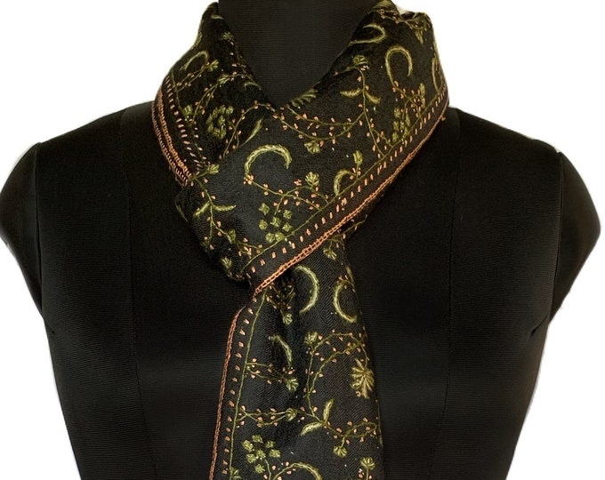 Floral Pine Embroidery Scarf - Black and Green