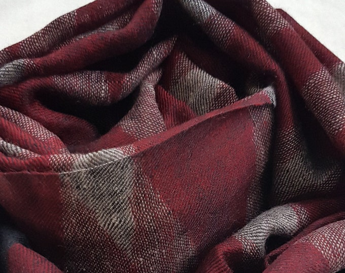 Diamond Handloom Cashmere Scarf - Red Black