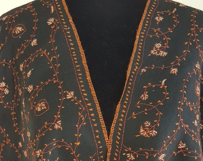 Floral Embroidery Scarf - Black