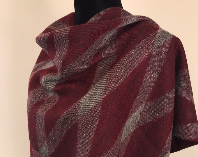 Diamond Handloom Cashmere Scarf - Red Black
