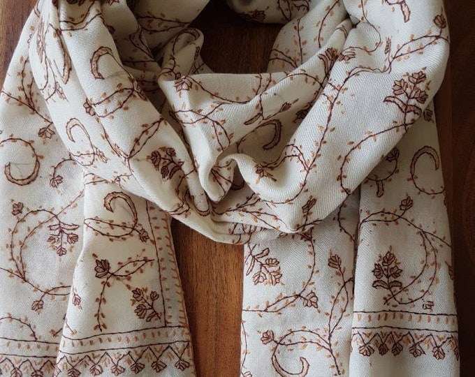 Floral Embroidery Scarf - Regal White