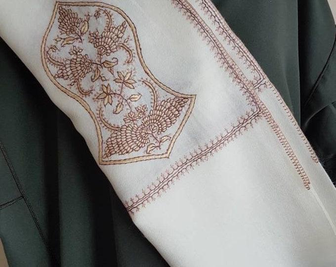 Zayn Sandala Shawl - White with Beige Brown Threads