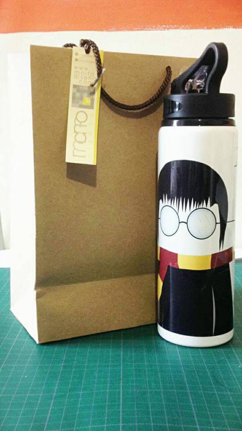 138d0ad0713 Thermos Harry Potter Harry Potter water bottle Gryffindor | Etsy