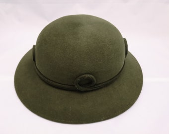 e5346e1baf532 Vintage Ladies Bowler Hat. Wool Hat. Formal Hat. Green.