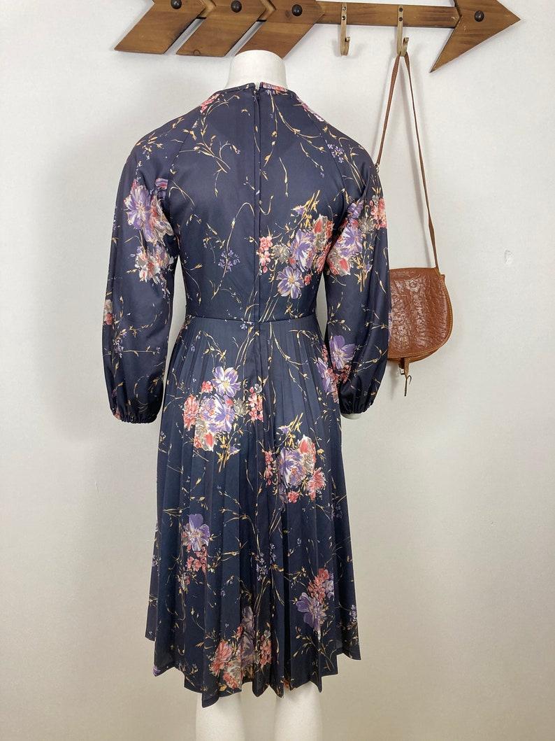 Long Sleeve 70s Vintage Floral Day Dress Dark Purple UK 10 Pink A line.