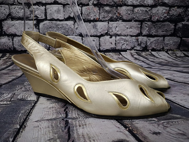 5d1a7b6a001 80 s Vintage Gold Tone Wedges. Sabrina Chic. Peep Toes.