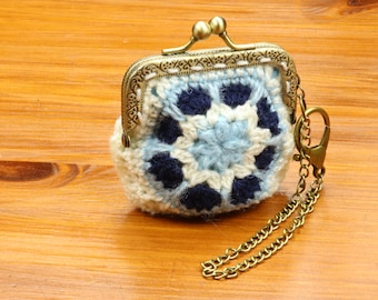 Crochet coin purse, Blue flower pouch, Money bag, Crochet purse, Kiss lock coin pouch, Frame coin purse, Small Bag charm, Gift for her