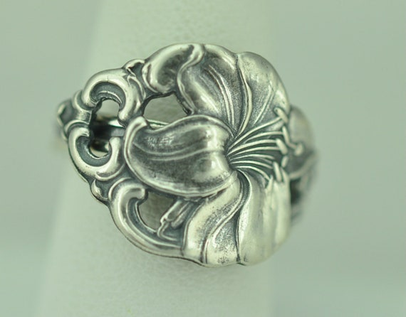 Beautiful 925 Sterling Silver Flower Floral Spoon Ring