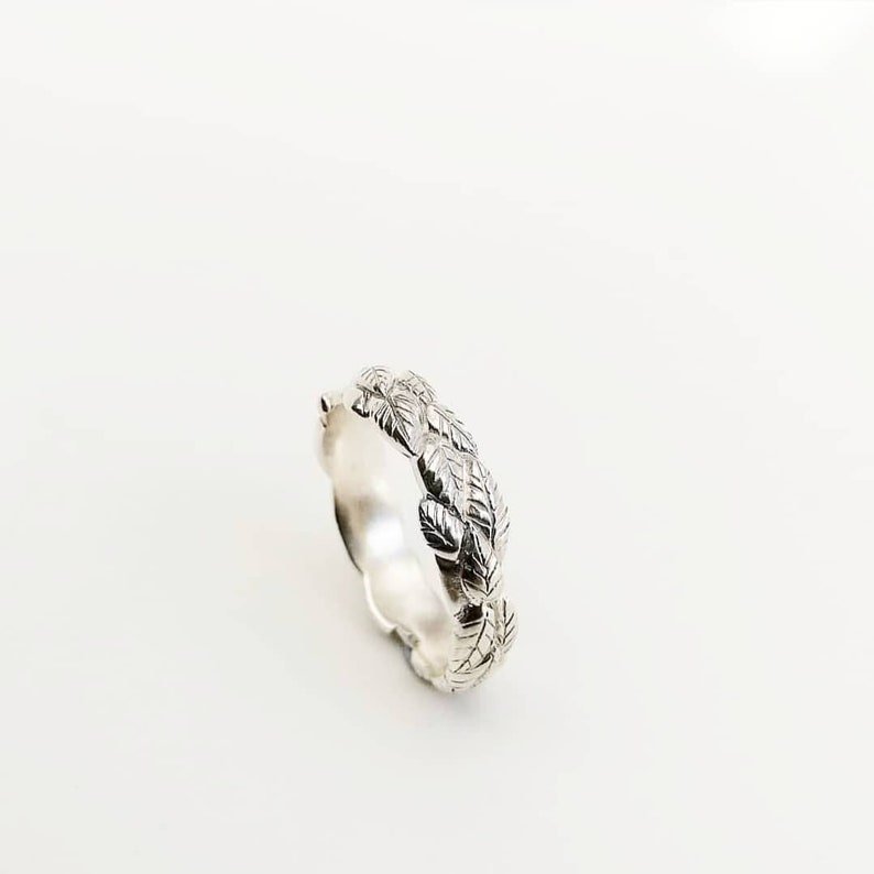 Platinum wedding ring Handcarved leaf ring Silver Wedding ring Gold leaves