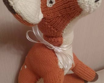 Red, Large Hand-knitted Fawn. 2017. 46cm nose to tail. Sits 30cm tall.