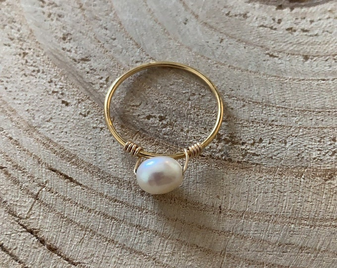 """One Pearl"" ring"