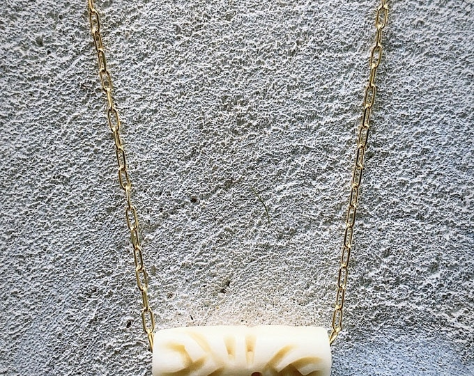 """Bone"" necklace"
