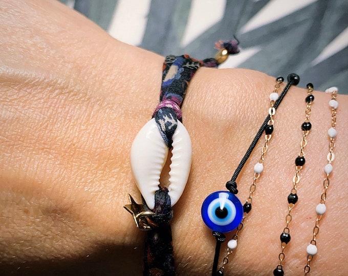 """""""Protection"""" bracelet"""