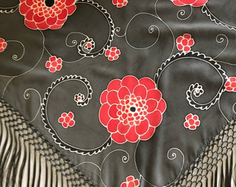 Hand-painted silk Mantoncillo. MP0006