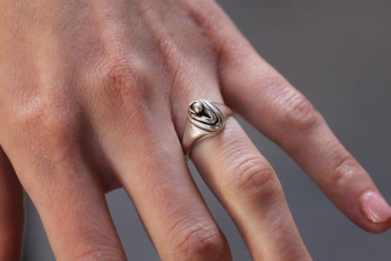 Nyx Vulva Ring