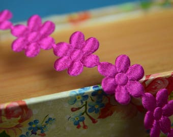 Satin Daisy Trim 18mm wide and Cerise