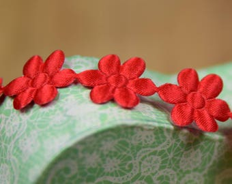 Satin Daisy Trim 18mm wide and Red