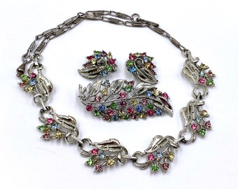 Sarah Coventry Sabrina Fair Choker Necklace Multi Colored Striped Cabochon Rhinestones