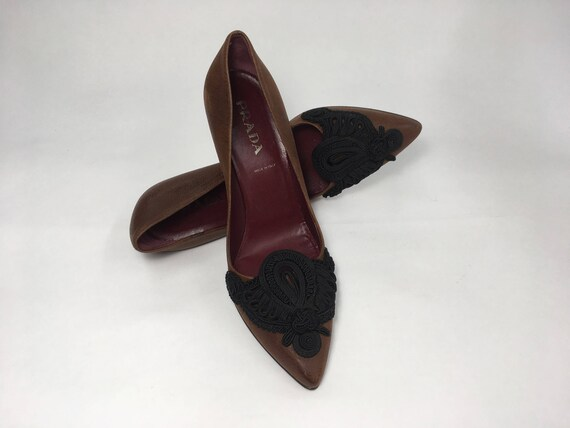 90s Prada Italian Leather Pumps With Intricate im… - image 3