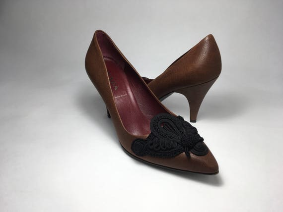 90s Prada Italian Leather Pumps With Intricate im… - image 4