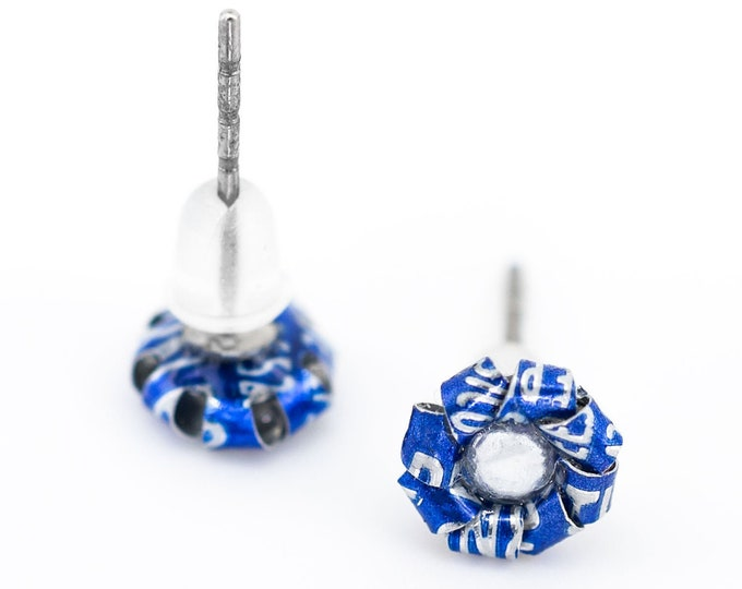 Blue flower ear studs earrings made with aluminum soda cans, blue flower stud earrings for women, low price gift ideas, studs of aluminum