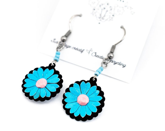 Daisy dangle earrings. Blue sky earrings. Recycled soda can. Daisy pendants. Flower earrings. Blue earrings. Mother's Day gift.