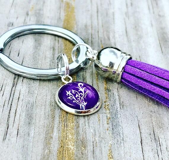 Porte-clé Younique s'épanouir avec pompon violet / fait à la main accessoire / cadeau, Swag idées / pourpre s'épanouissent / charme porte-clé