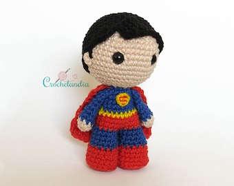 Toy Art Amigurumi Superman Classic Inspired - crochet pattern by Crochelandia