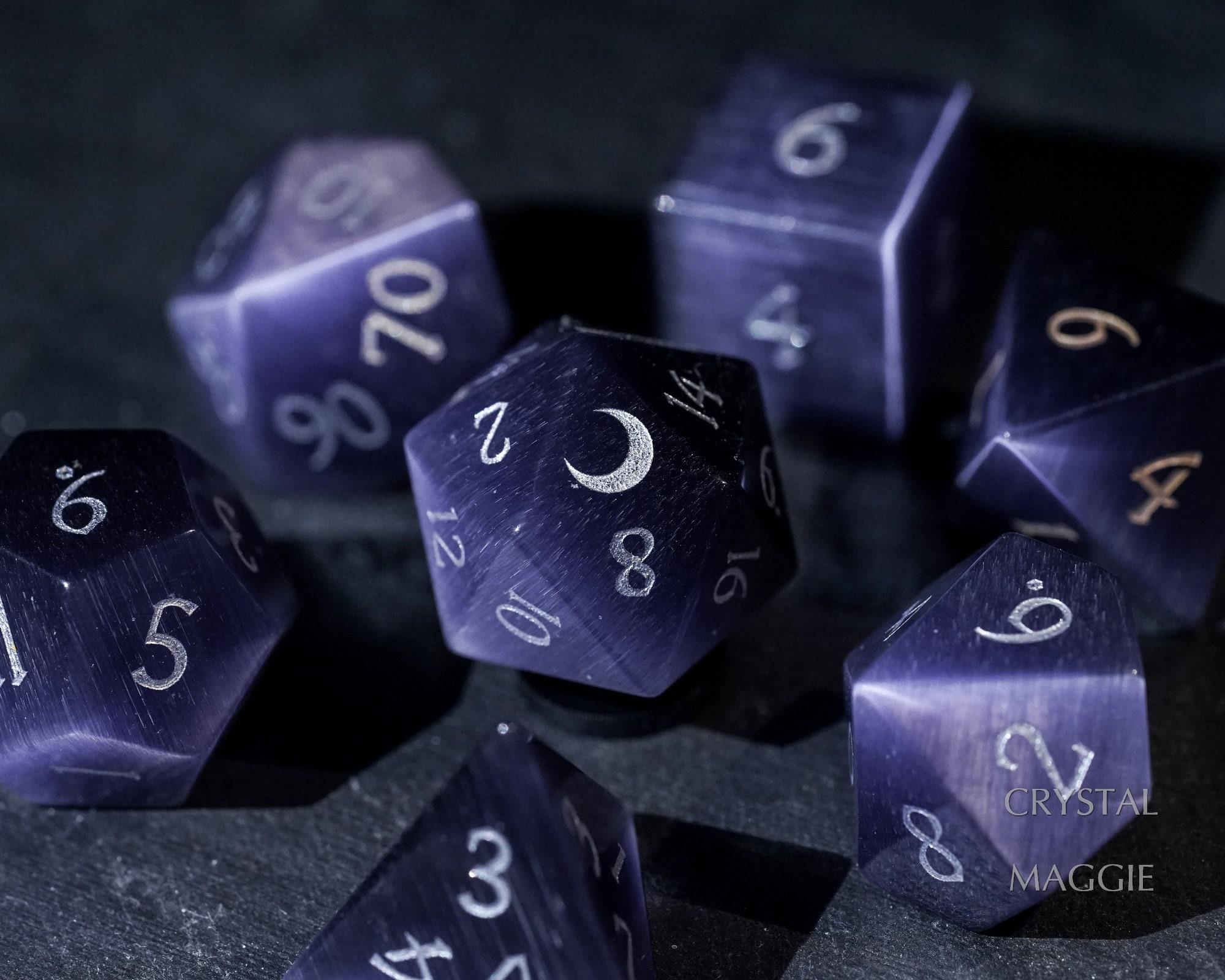 Cat/'s Eye Dark Purple Chipped Glass Necklace