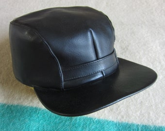 a84c79c09ad07 Black Vinyl 50s   60s Hunting Cap   Mechanic
