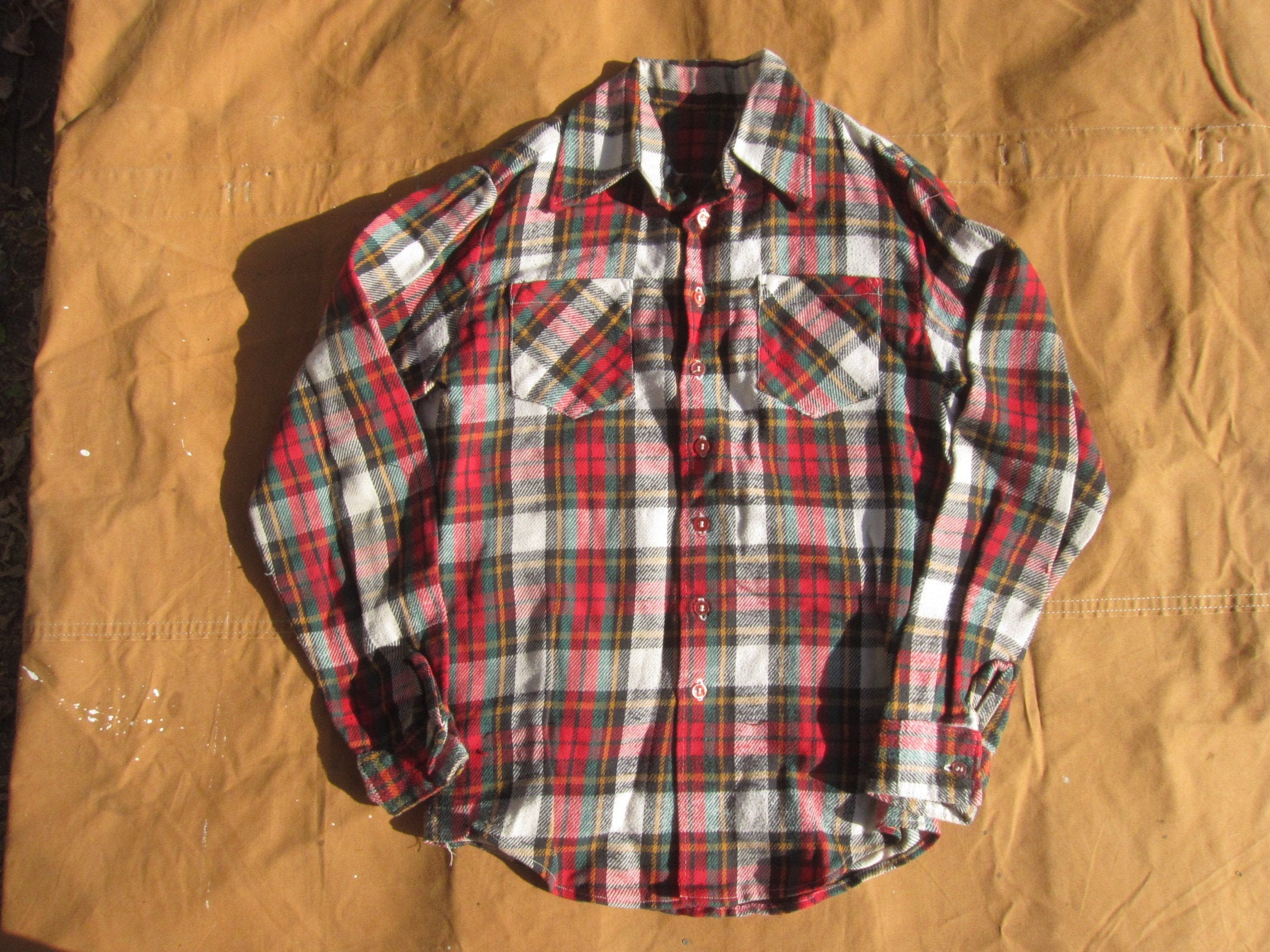 1970s Men's Shirt Styles – Vintage 70s Shirts for Guys MediumLarge Tall 70S Handmade Plaid Shirt Cotton, Flannel, Button Up Down, Red Green White, Soft, Two Pocket Work $35.00 AT vintagedancer.com