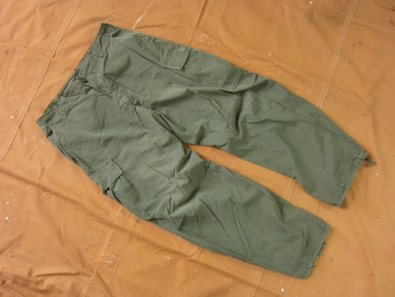 Medium 31 to 35 60s US Army Ripstop Cargo Pants /