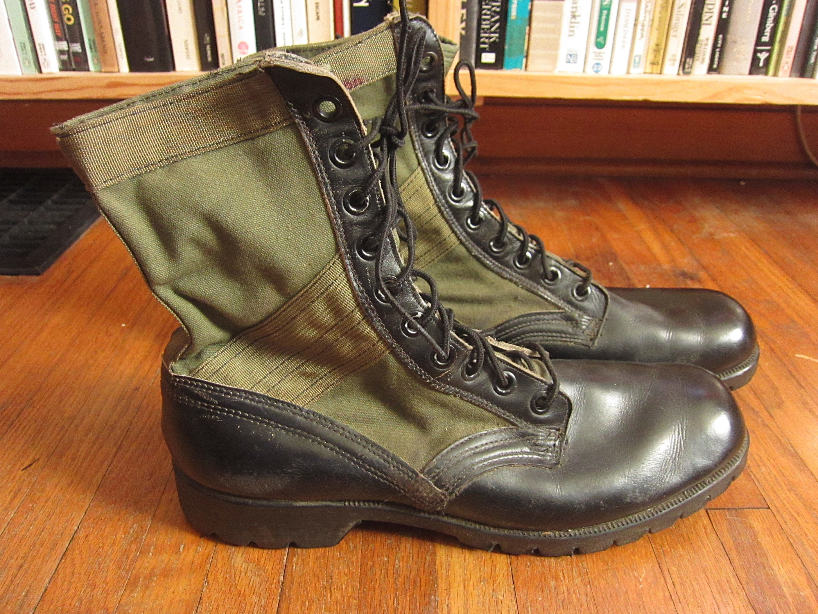 Tamaño 12 60s US Army Army Army Jungle  botas    Spike Protective Vietnam Era 1960s verde negro Canvas Rubber High Ankle Combat 49592d