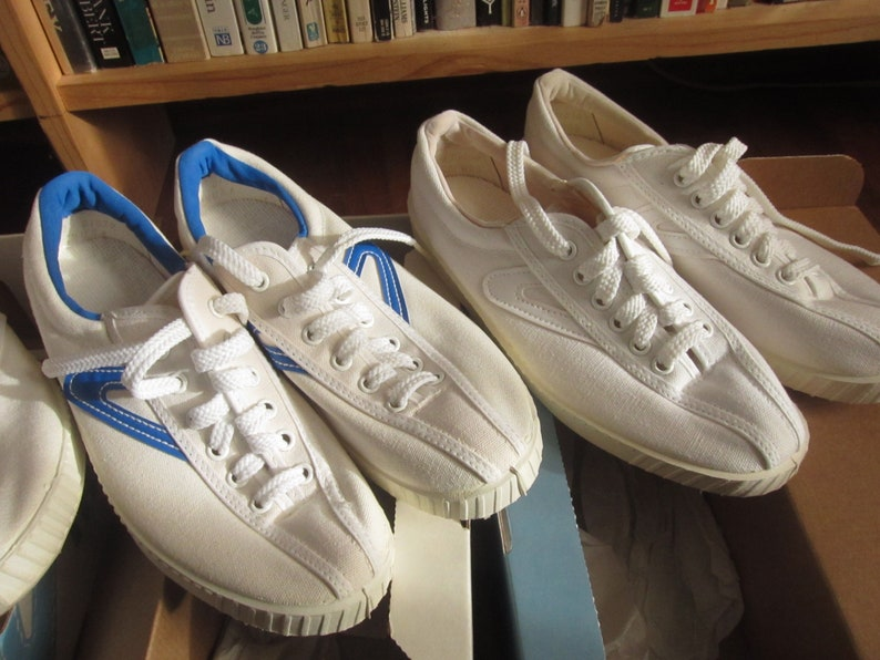 adedc1471a1007 Size Women s 7.5 80s Tretorn Canvas Tennis Shoes   Low