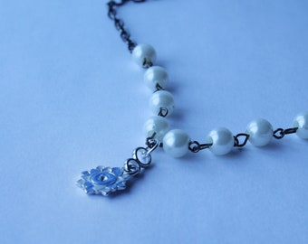 Pearl Choker with Flower Pendant