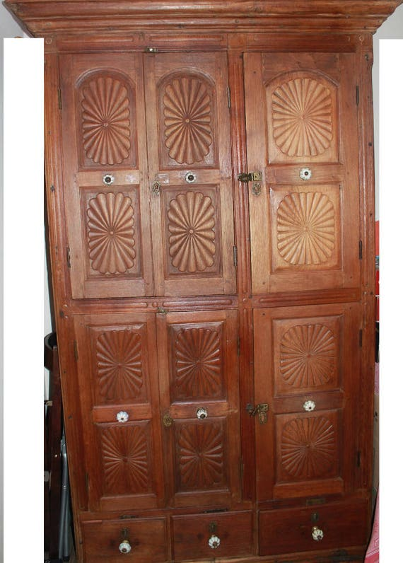 Ancienne Armoire Indienne Sculptee Etsy