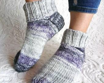 Hand knit women socks, knit bed socks, womens big size socks, vegan friendly socks, slipper socks, socks womens, Knitted socks, bed socks.