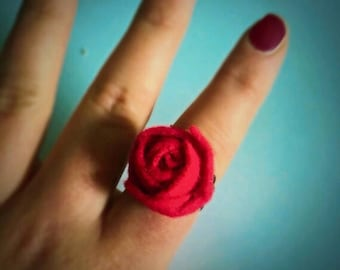 Fiver friday Red Rose ring, felt flower jewellery, ladies jewelry, gifts for girls , Valentine's Day presents womens statement ring, flower