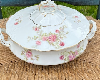Austria Royal O +E.G. Wild Rose 1910 covered serving bowl, soup Tureen, antique china with beautiful pink roses. Excellent condition for age