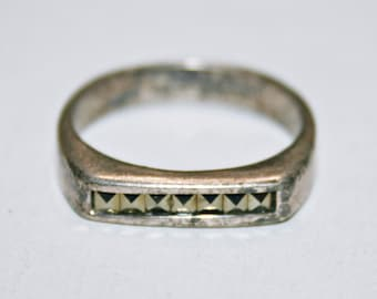 6101 Vintage Silver Tone Curvy Ring Size 8
