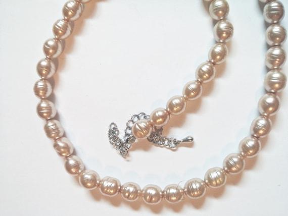 Vintage Faux Pearl Necklace - image 9
