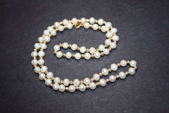 Vintage 14k Gold and White Pearl Necklace - image 8