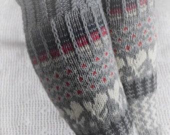 Leg warmers, hand knit, fair isle, woman, säärystimet, käsintehty, kirjoneule, nainen