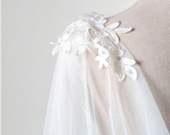 Long Boho Bridal Cape, White Infinity Cape, Tulle Wedding Cape, Draped Wedding Cape Veil, Bridal Boho Cover Up, Natural White Wedding Cloak