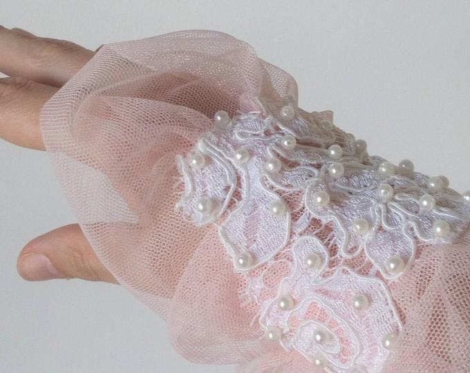 Tulle Wrist Cuff, Victorian Cuff Bracelet, Victorian Wide Cuff, Textile Jewelry, Romantic Armband, Wedding bridal accessory, Pink Wristcuff