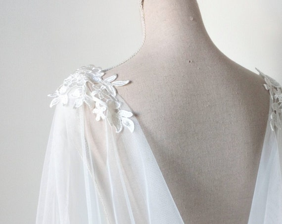 Ivory Wedding Cloak, Wedding Capelet, Bridal Cape Veil, Ivory Wedding Cape, Tulle Bridal Cover Up, Long Shoulder Train, Fantasy Wedding