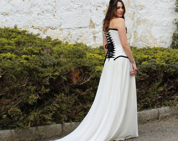 Black and white viking wedding dress, Celtic bridal corset dress for pagan handfasting, Elvish norse inspired wedding gown structured bodice