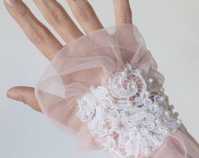 Pink victorian cuff, Lace and tulle wrist cuff, Wide textile bracelet, Romantic wedding wristcuff, Victorian bridal accessory, Cottagecore
