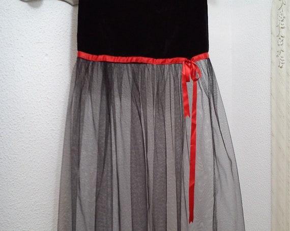 Wedding guest sexy skirt - Gothic skirt - Black long skirt - Velvet and tulle skirt - Fetish - Red ribbon - Red lace - Gothic lolita