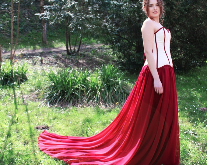 Gothic medieval corset gown for wedding anniversary, Middle age princess gown cream and deep wine red, Historical dress reenactment festival